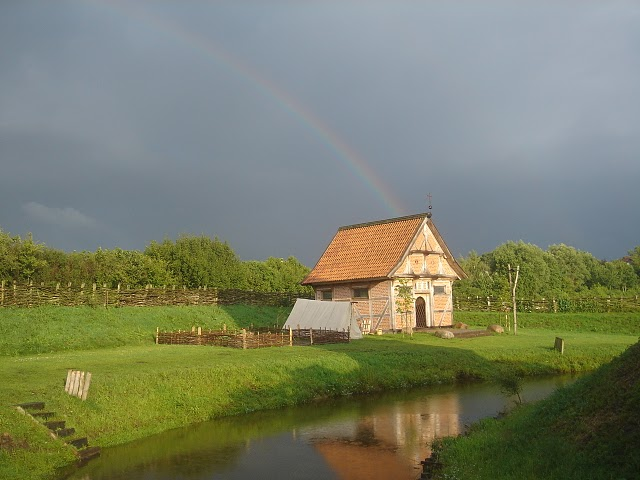 Regenbogen Turmhügelburg
