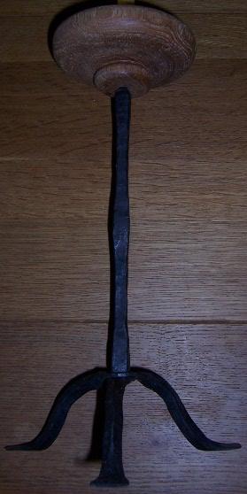 Ottonischer Leuchter4