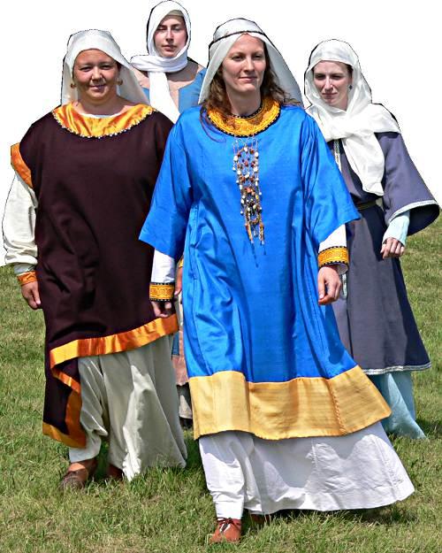 ottonische Mode Hofdamen